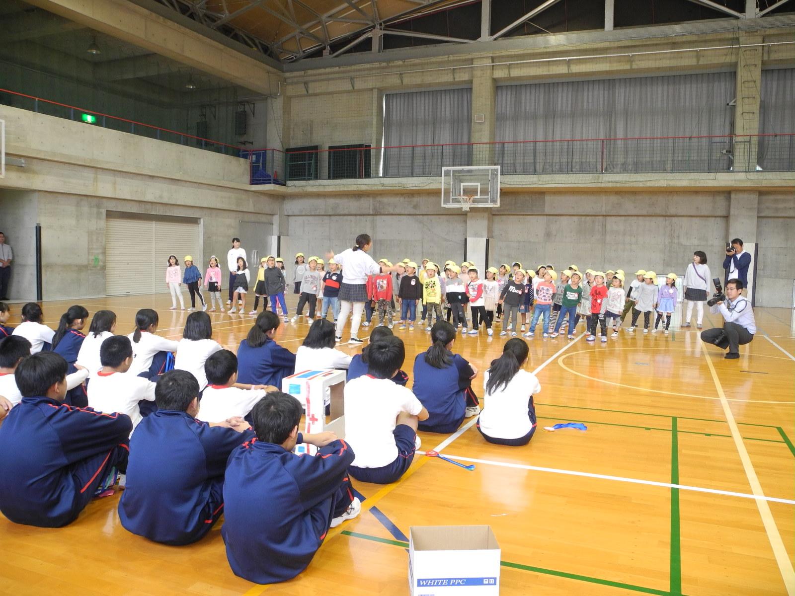 武田中学へ行きました。